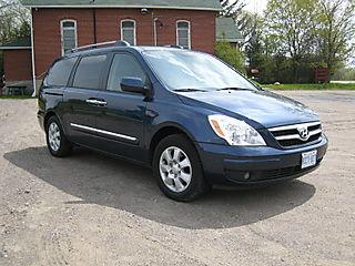 Hyundai Entourage0001