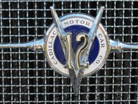 Cadillac 1931 V12 grille