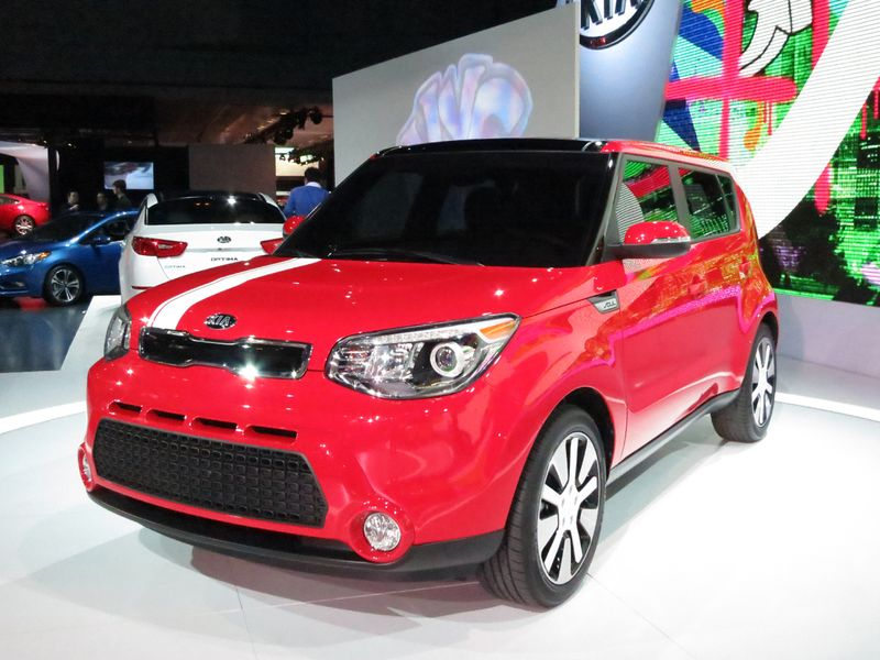 The redesigned Kia Soul shares its platform with the Kia Forte - photo by Jil McIntosh (1)