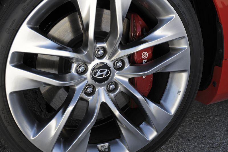 Disc brakes on a 2013 Hyundai Genesis Coupe - photo courtesy Hyundai Canada