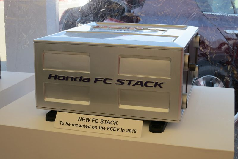 Honda's fuel stack uses hydrogen to make electricity - photo by Jil McIntosh