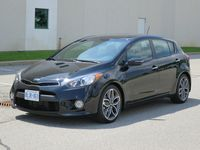 2014 Kia Forte5 by Jil McIntosh (1)
