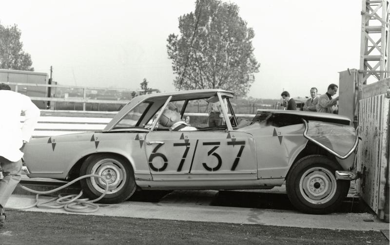Mercedes-Benz Crumple Zones (9)