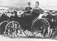 Carl and Bertha Benz on a four-wheeled Benz vehicle in 1894