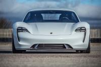 Porsche Mission E (1)