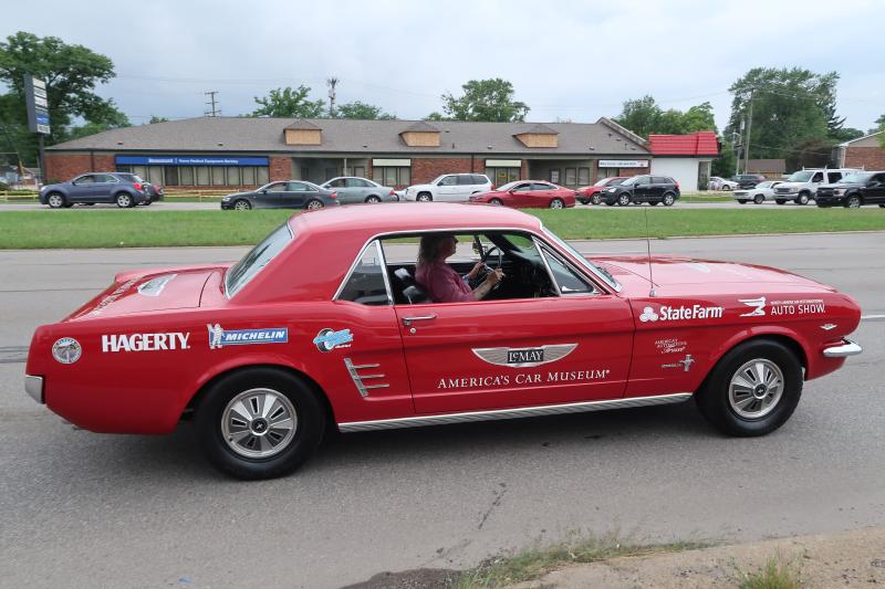 Woodward Cruise Mustang (2)