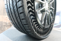 Michelin Uptis prototype tire (2)