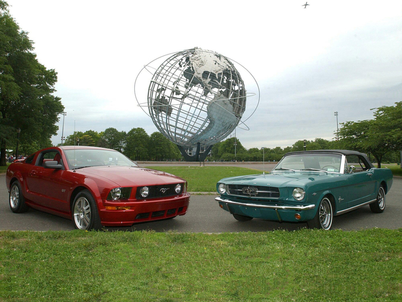 Ford 2005 Mustang at World's Fair