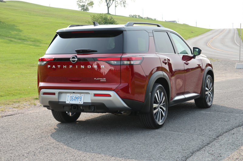 2022 Nissan Pathfinder Platinum (29)