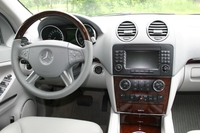 Mercedes_gl_450_dash